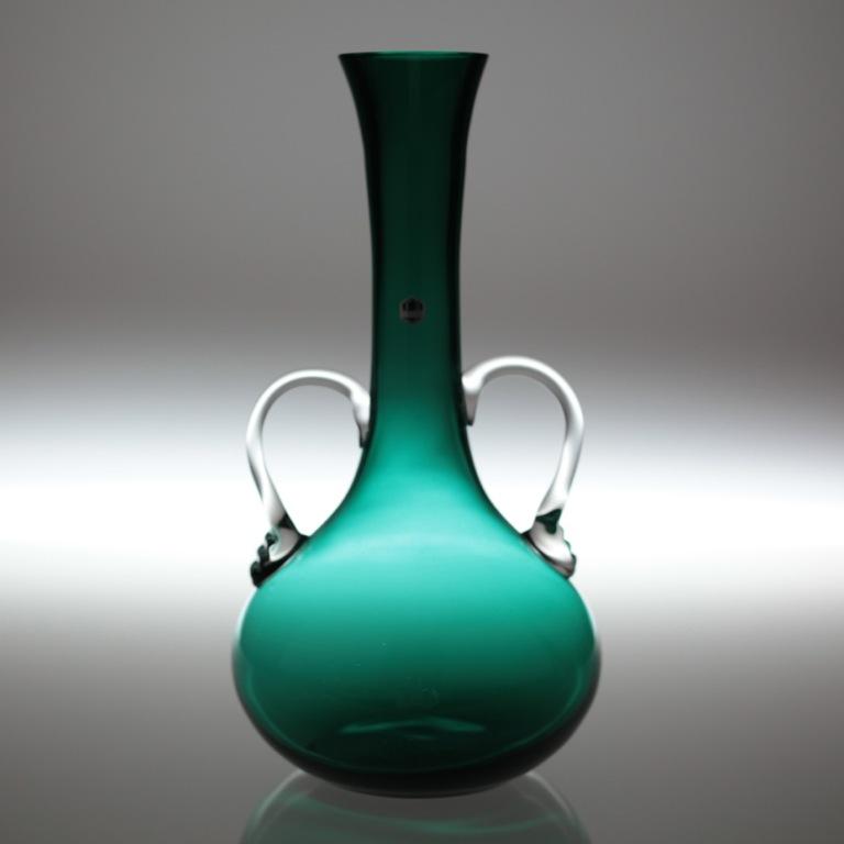 30 cm hohe glas vase 70er jahre t rkis gr n henkelvase. Black Bedroom Furniture Sets. Home Design Ideas