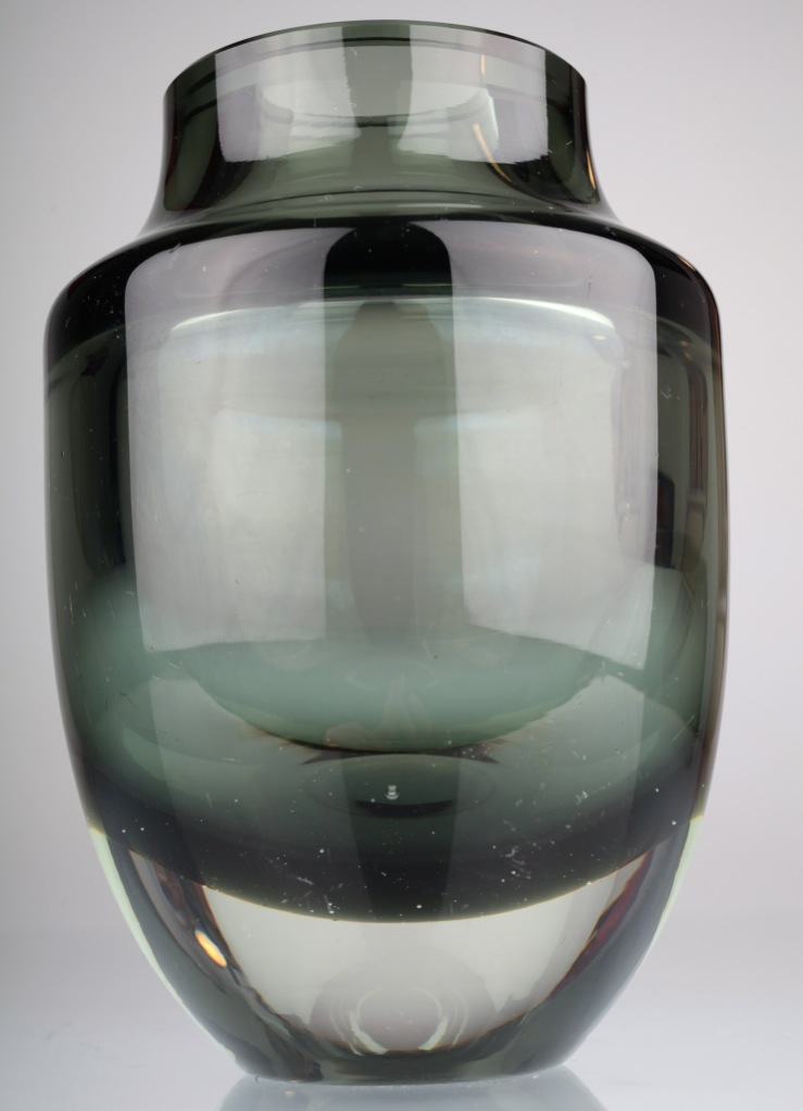 3 kg schwere vintage glas vase turmalin grau glasvase. Black Bedroom Furniture Sets. Home Design Ideas