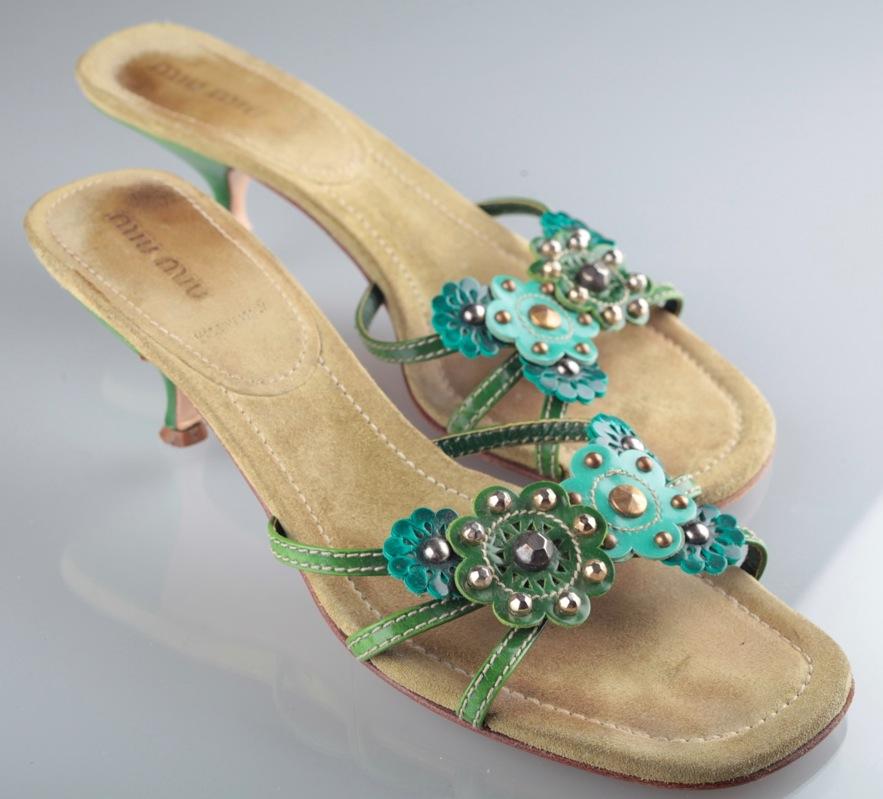 miu miu sandaletten sandalen sandalette 37 5 gr n t rkis petrol blumen nieten ebay. Black Bedroom Furniture Sets. Home Design Ideas