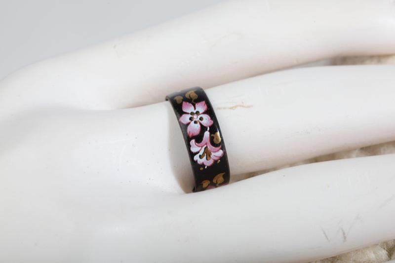 vintage emaille ring gr 55 blumen schmuck 70er schwarz rosa ebay. Black Bedroom Furniture Sets. Home Design Ideas
